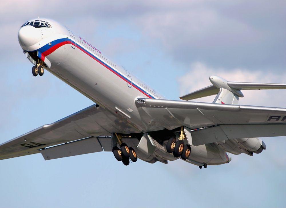 Ил-62 - пассажирский самолет