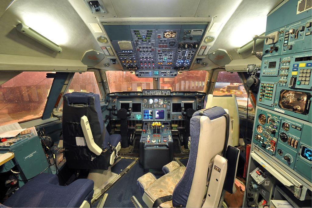 Кабина Ил-96