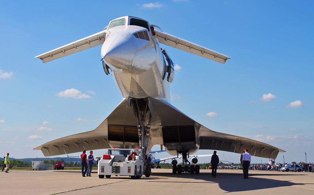 Ту-144 - сверхзвуковой пассажирский самолёт