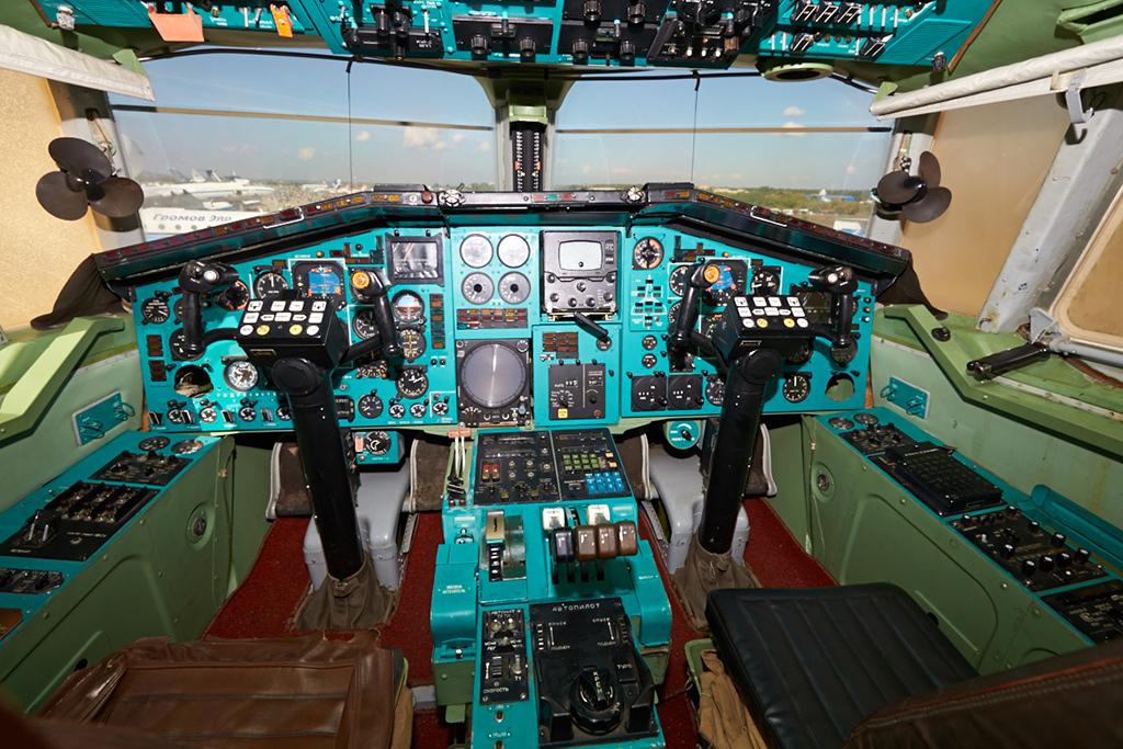 Кабина Ту-144