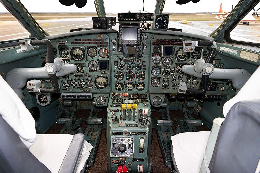 Кабины Як-40
