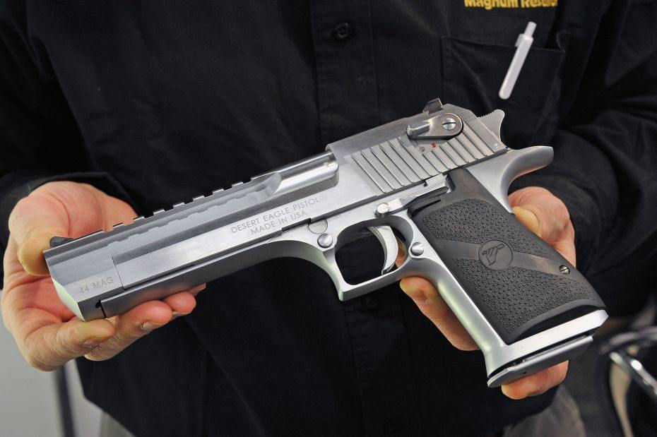 IMI Desert Eagle («Орел пустыни») - пистолет калибра 12,7 мм