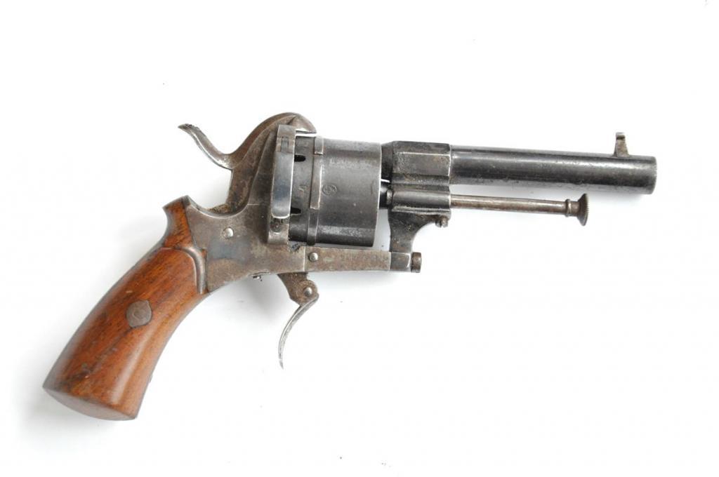 Малогабаритный «карманный» 9-мм шпилечный револьвер системы Лефоше
