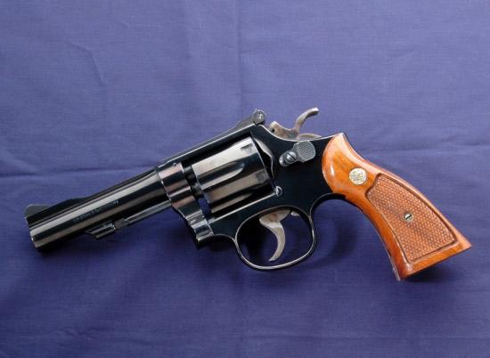Револьвер Смит-Вессон