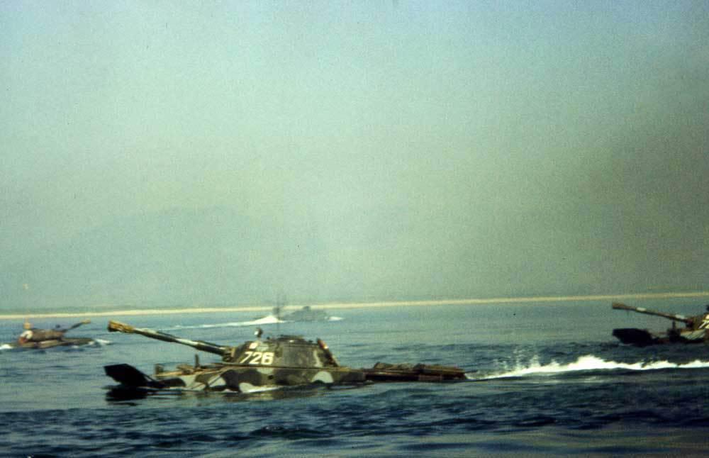 ПТ-76 на плаву