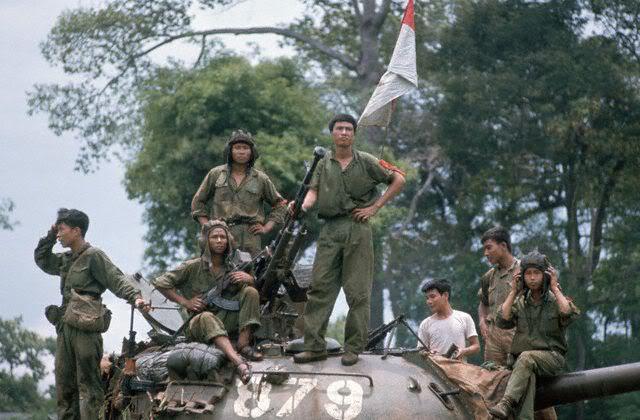 Северовьетнамский Т-54 во взятом Сайгоне