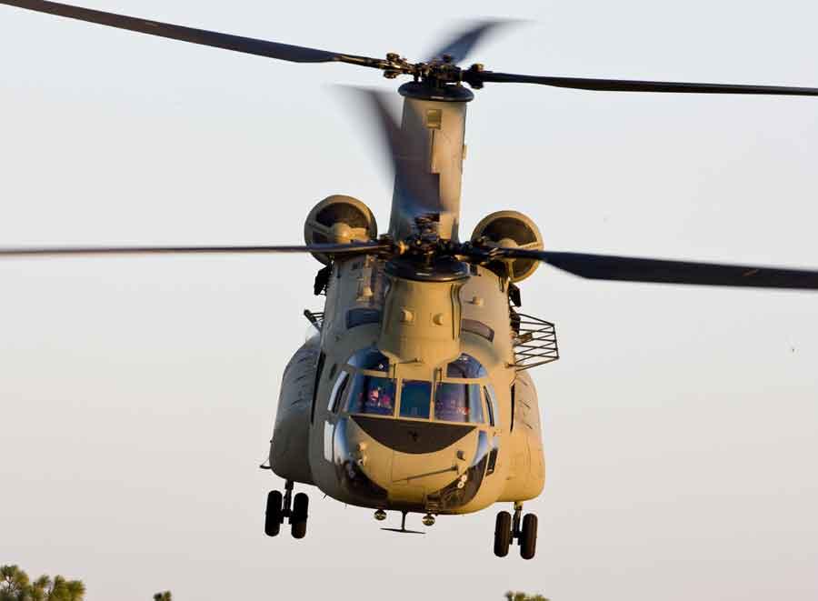 CH-47 Чинук - американский военно-транспортный вертолет
