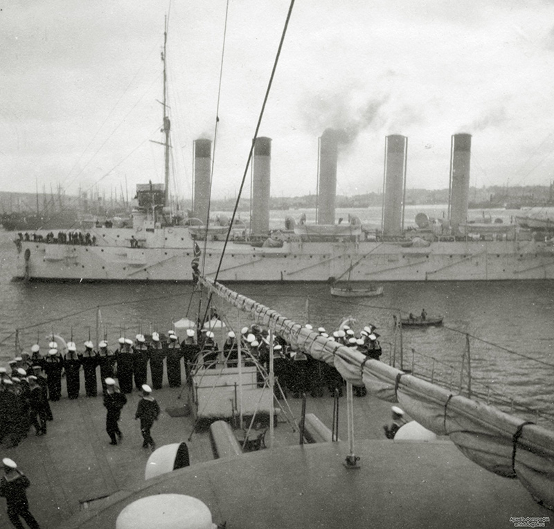 Бронепалубный крейсер I-го ранга 'Аскольд' на Балтике