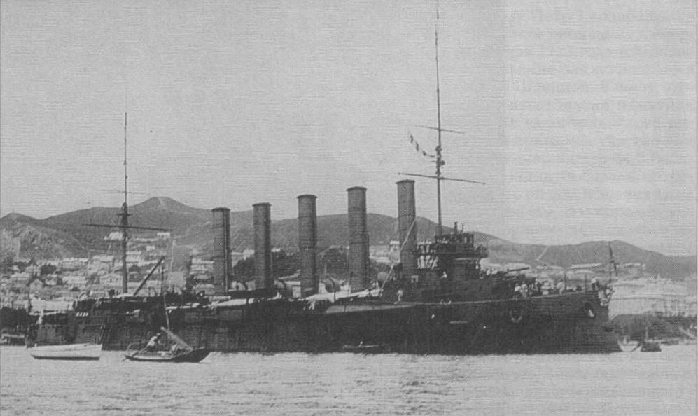 Крейсер «Аскольд» на рейде Владивостока