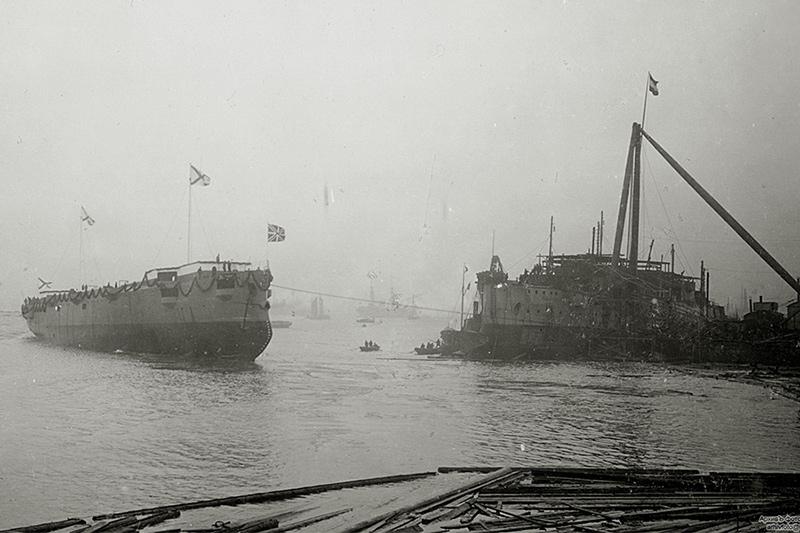 Спуск на воду бронепалубного крейсера I-го ранга 'Аскольд'