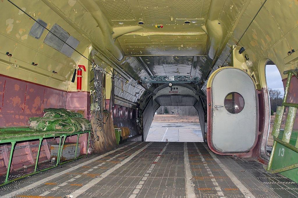Грузовая кабина АН-12