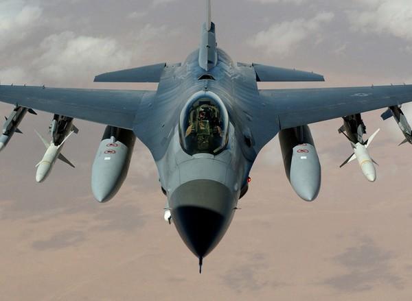 Истребитель F-16 «Файтинг Фолкон»