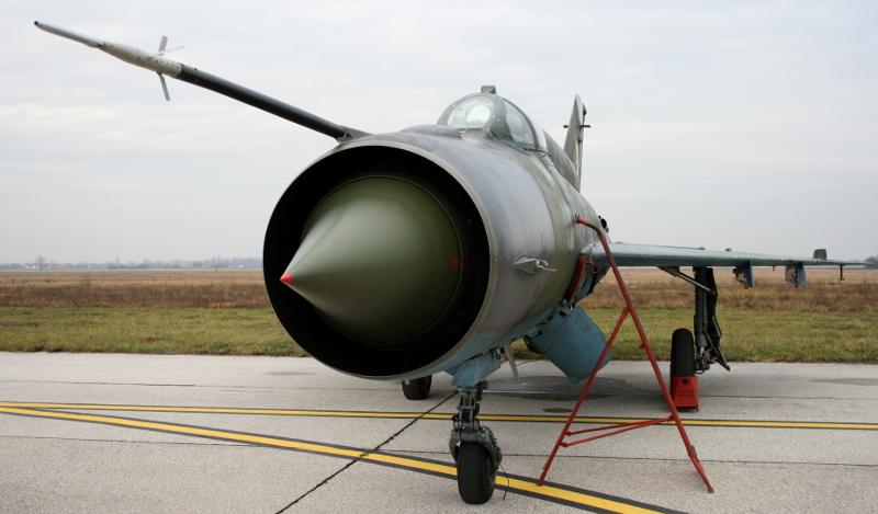 Воздухозаборник двигателя с конусом МиГ-21
