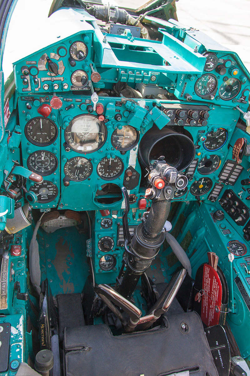 Кабина МиГ-21