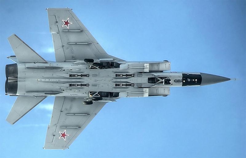 МиГ-31 - истребитель-перехватчик