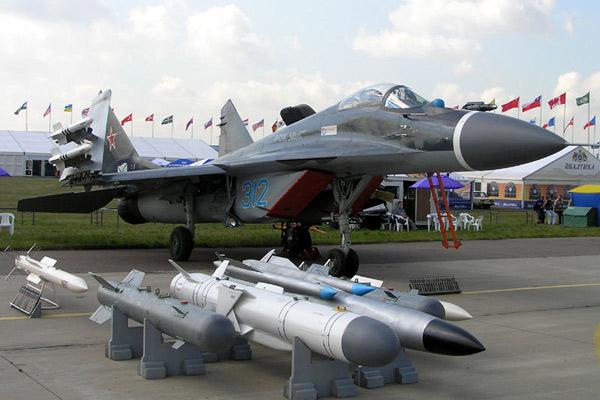 Палубный самолет МиГ-29К («Фалкрум») КБ Микояна