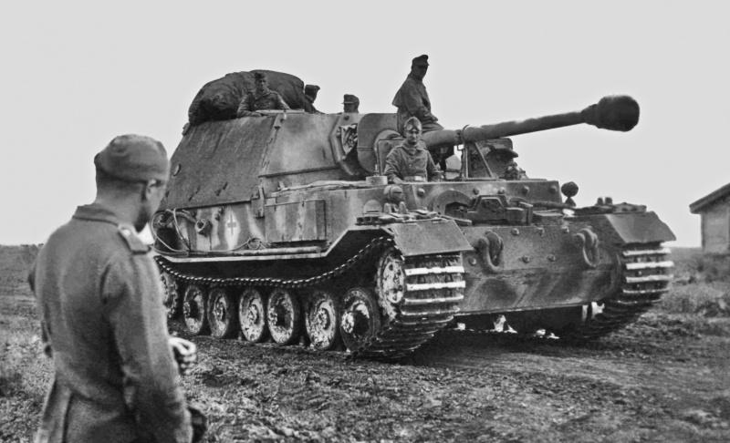 Истребитель танков «Фердинанд» Sd.Kfz.184 (8,8 cm PaK 43/2 Sfl L/71 Panzerjäger Tiger (P) 653-го батальона тяжёлых истребителей танков (Schwere Panzerjäger-Abteilung 653) вермахта