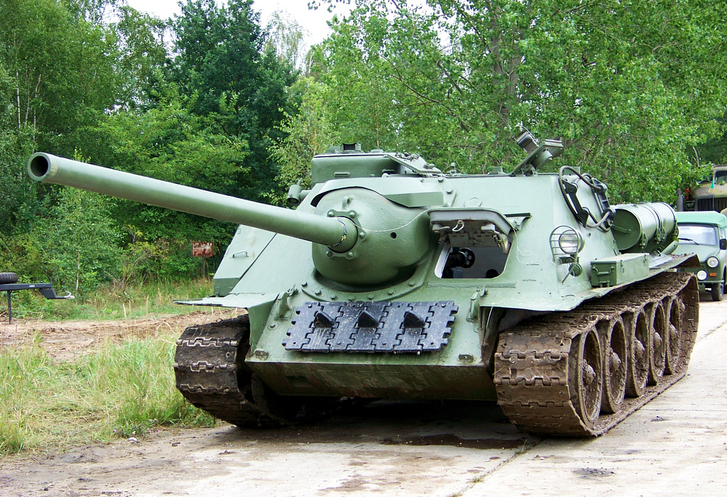 САУ СУ-100 - самоходно-артиллерийская установка Красной Армии