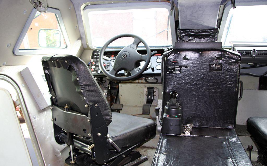 Внутри КамАЗ-43269 «Выстрел» (БПМ-97)