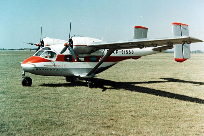 Ан-14 Пчёлка самолет сверхкороткого взлета