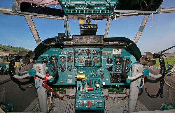 Кабина пилотов Ан-3