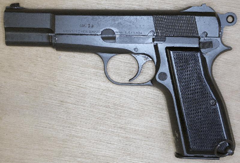Пистолет GP35 «Браунинг Хай Пауэр» выпуска компании Inglis of Canada, 1944 год