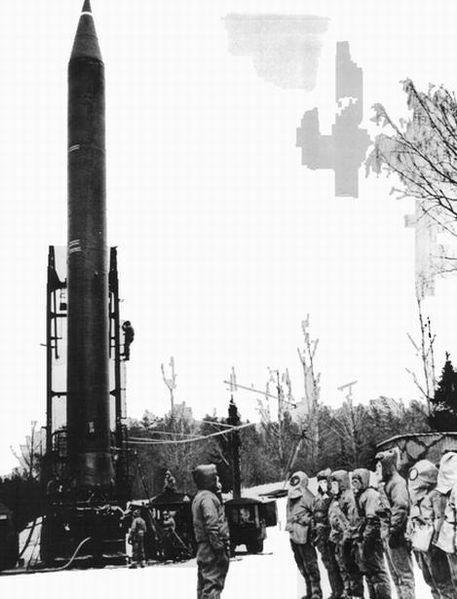 Р-12 8К63 (SS-4 Sandal) - жидкостная баллистическая ракета средней дальности (БРСД)