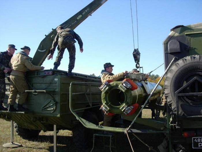 Транспортно-заряжающая машина 9Т218-1 комплекса 'Точка-У'