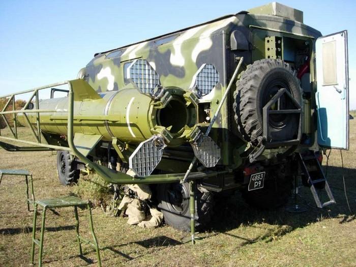 Автоматизированная контрольно-испытательная машина АКИМ 9В819 (9В819-1) для проведения регламентных работ с ракетной и боевой частями