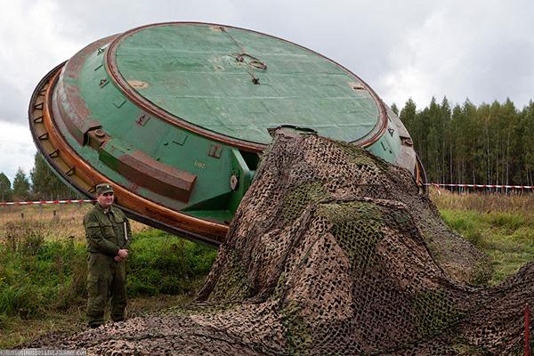 Крышка ШПУ весит 150 тонн