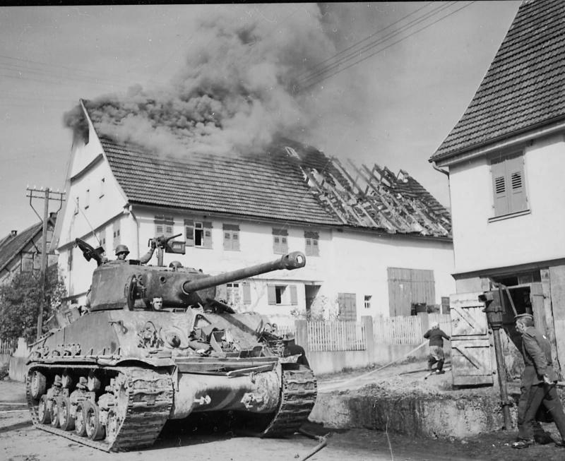 Американский танк M4A3E8 HVSS «Шерман» 21-го танкового батальона 10-й бронетанковой дивизии
