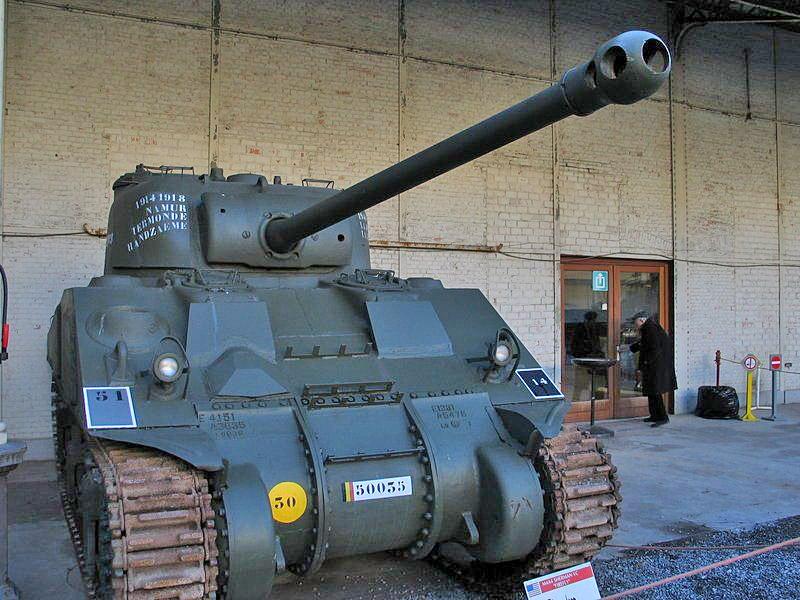 Sherman VC (Sherman Firefly) с английским 17-фунтовым орудием.