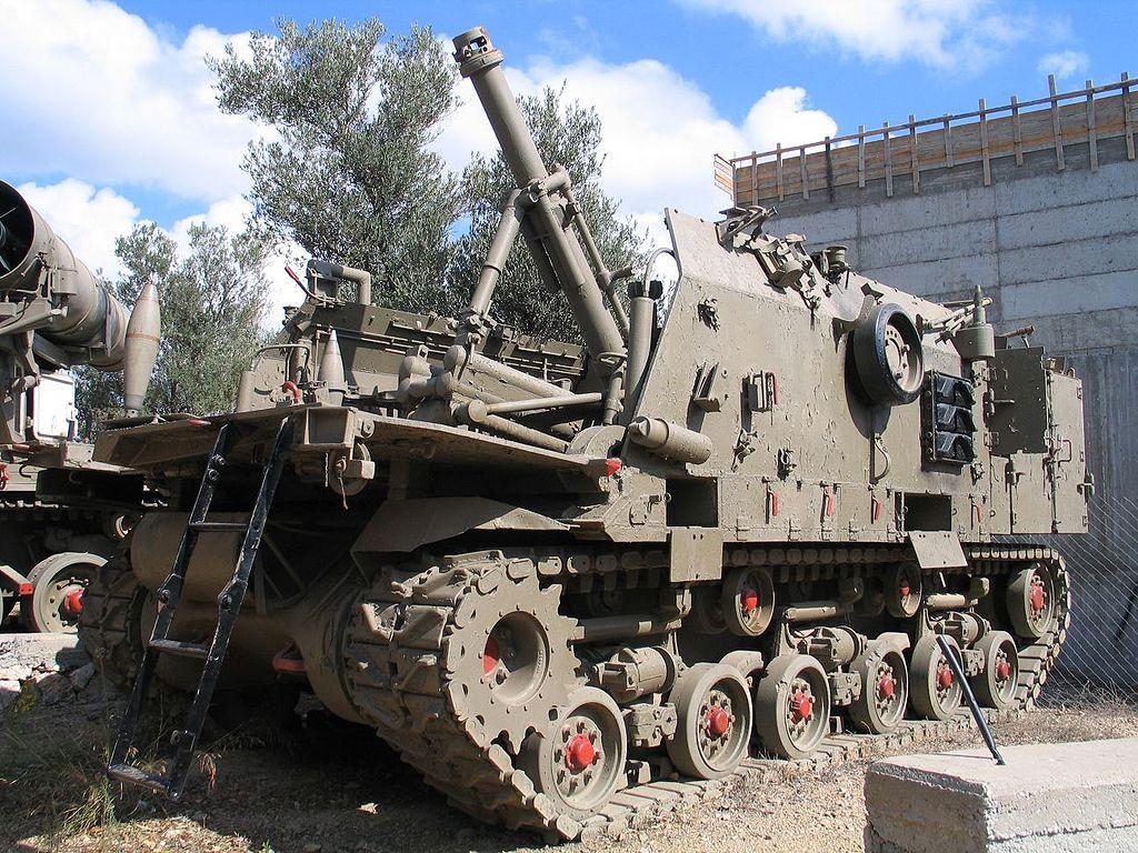 Израильский 160-мм миномёт Makmat на шасси «Шерман»