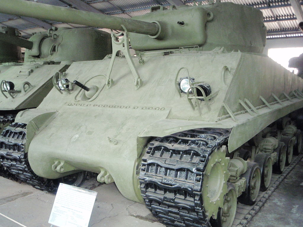 M4A2(76)w HVSS в Бронетанковом музее в Кубинке