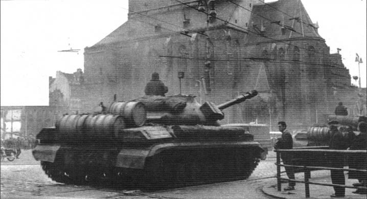 Танк Т-10М в Праге