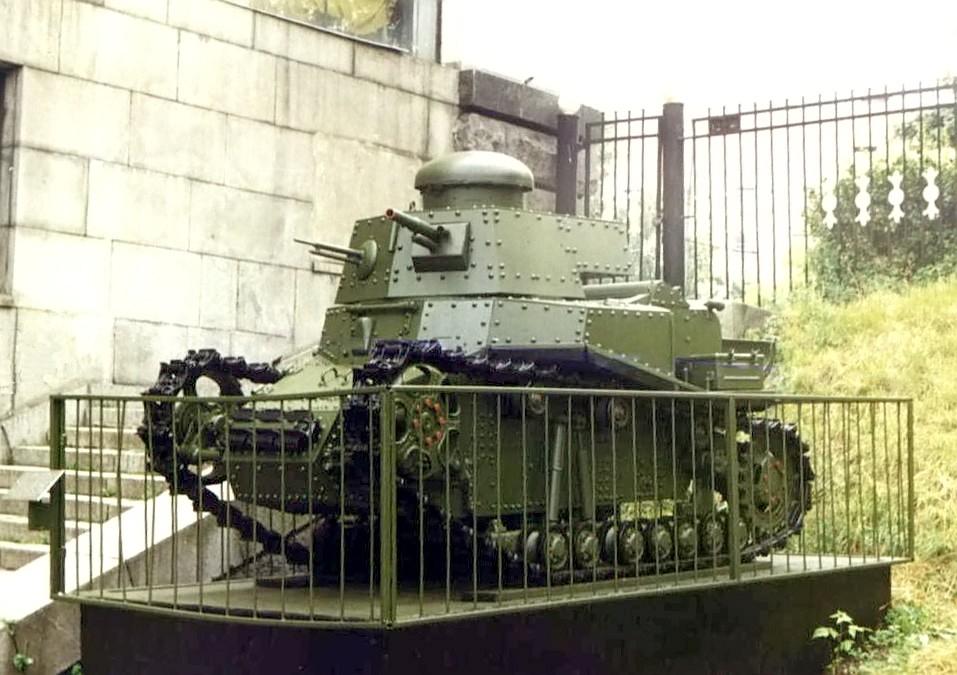 Т-18 в московском Музее Вооружённых Сил. Ходовая часть машины при восстановлении упрощена для улучшения ходовых качеств на случай участия в парадах