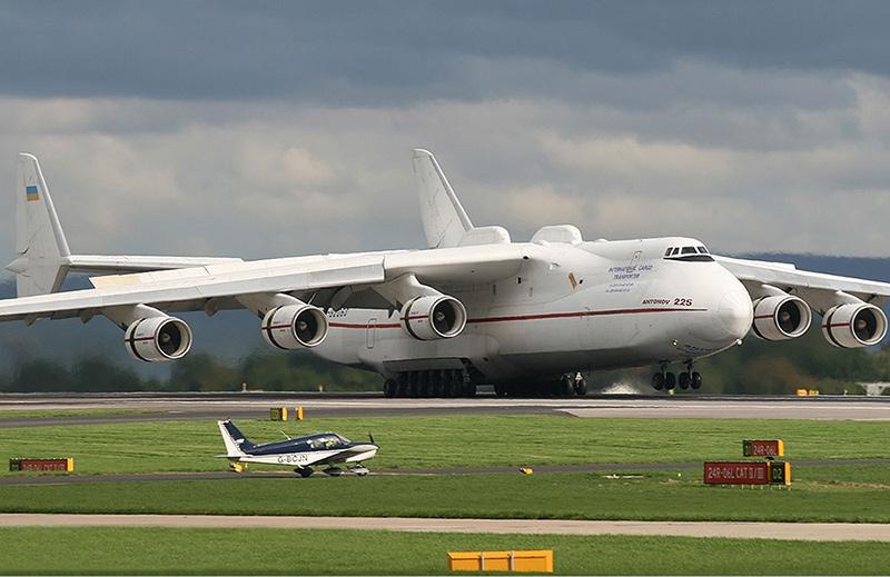 Ан-225 «Мрия» (Мечта) - транспортный самолет