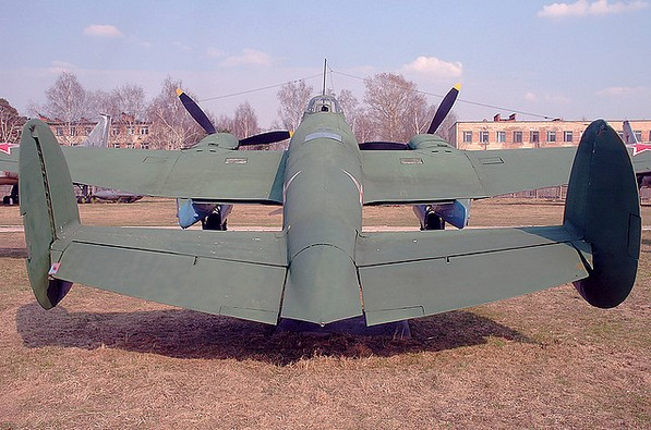 Пе-2 (Пешка) - пикирующий бомбардировщик