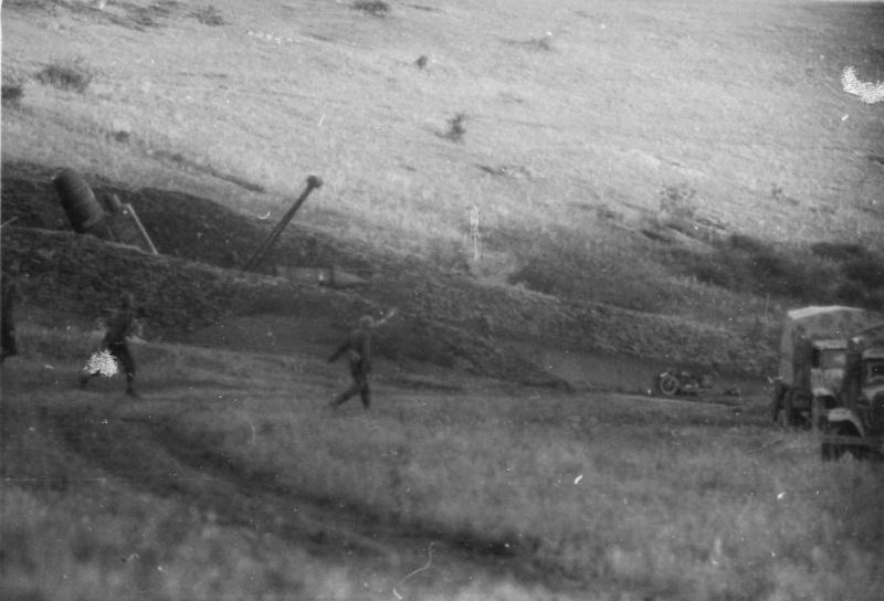 Немецкая 600-мм самоходная мортира «Карл» (60 cm Mörser Karl-Gerät 040) на боевой позиции в капонире под Севастополем