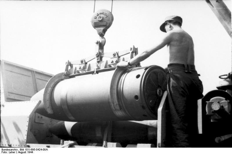 Карл - самоходная немецка мортира калибр 600-мм и 540-мм