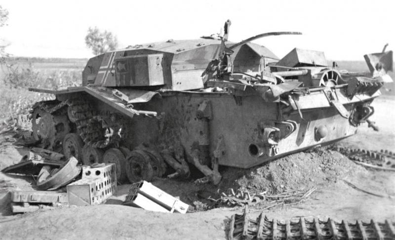 САУ StuG III Ausf. В (выпущена фирмой Алкетт (Alkett) в июне-сентябре 1940 г.) 191-го батальона штурмовых орудий (Sturmgeschütz-Abteilung 191) вермахта, уничтоженная в боях с РККА в северной части Украины