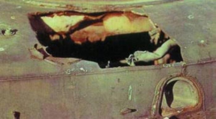 Пробитая броня БМП с помощью огнемета 'Шмель'
