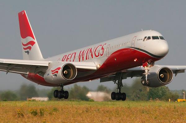 Ту-204-100 фото авиакомпании 'Red wings'