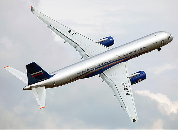 Ту-204 - среднемагистральный пассажирский самолет