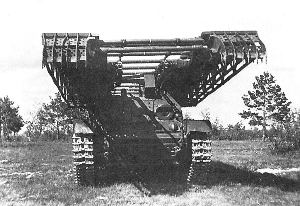 Мостовой танк ИТ-28 на испытаниях. НИБТ полигон в Кубинке, июнь 1940 года