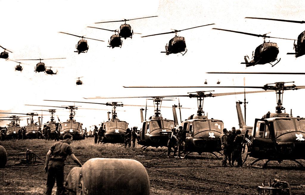 Белл UH-1 «Ирокез» - американский вертолет