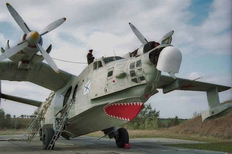Бе-12Н на стоянке