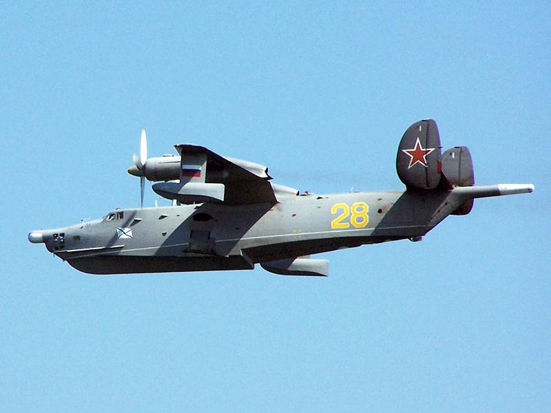 Бе-12Н в полете