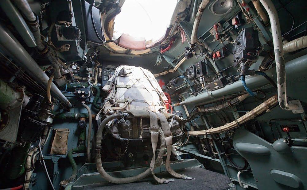 Место стрелка-радиста в хвосте самолета Бе-12