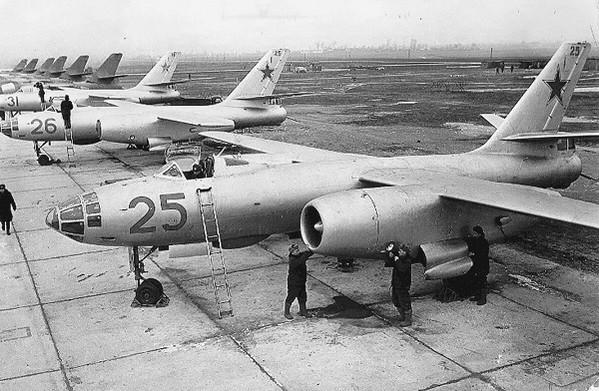 Ил-28 - первый советский реактивный фронтовой бомбардировщик
